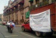 Los manifestantes atravesaron con sus vehículos el Centro Histórico de Morelia e hicieron paradas en el Palacio Legislativo y Palacio de Gobierno, para posteriormente terminar en el Monumento al General Lázaro Cárdenas de Río