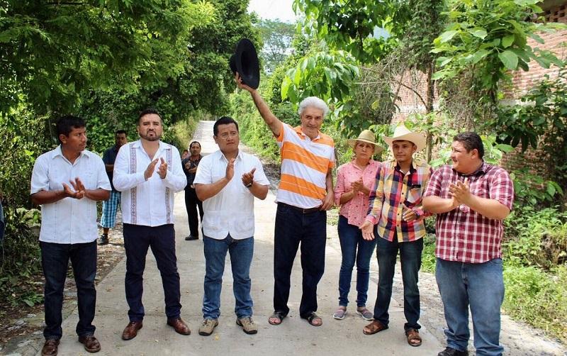 Carlos Torres Piña destacó que gracias a la participación de la gente, Aquila ha recuperado la ruta del desarrollo social, lo cual es producto de la estabilidad institucional que alcanzó en la gestión de José Luis Arteaga