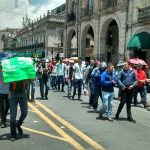 A su paso, los manifestantes entorpecieron el tránsito vehicular y amenazaron con radicalizar sus acciones en los próximos días en caso de que no se cumplan sus exigencias