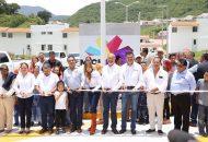 La conclusión del Fraccionamiento Villa de Las Flores se logró con una inversión total de 70 mdps, recursos aportados por el Gobierno del Estado y la Federación