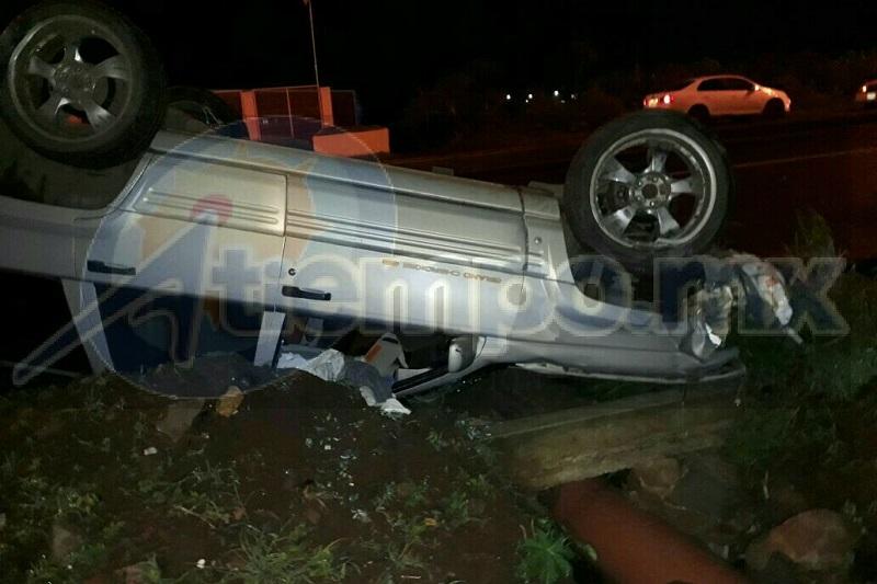 Quedó requerido el conductor por personas que se percataron del accidente; aparentemente se encontraba bajo los efectos del alcohol