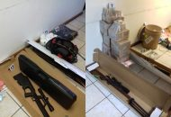 En el lugar se localizaron tres armas de fuego calibre .223, un arma calibre .220, un arma calibre .30 y una más calibre .22
