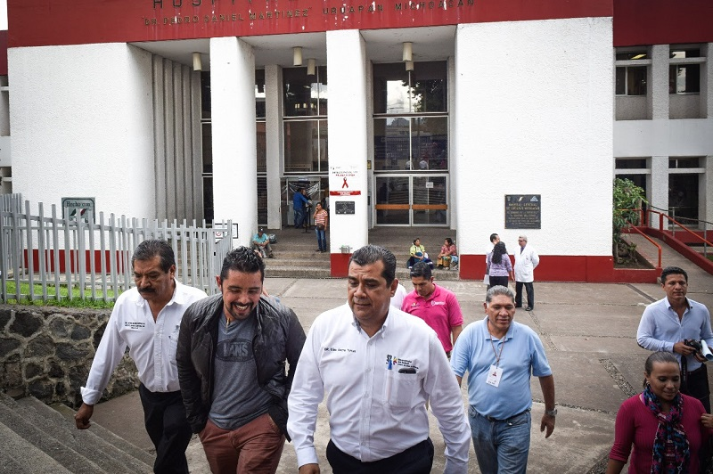 """En Michoacán estamos haciendo las cosas, bien, y con acciones como estas la entidad avanza en materia de salud, ya que se logrará cubrir la demanda de atención del 70% de las mujeres de esa región con servicios públicos de calidad y calidez"""", resaltó el titular de la SSM, Elías Ibarra"""