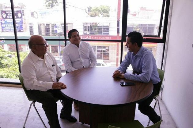Dichos recursos, indicó fueron gestionados por el doctor Elías Ibarra y el Gobernador Silvano Aureoles Conejo ante la Sedatu, mismas obras que se realizan con una inversión superior a los cinco millones de pesos