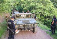 Los agentes policiales y militares repelieron la agresión –un elemento de la Sedena resultó con una herida en el brazo izquierdo- logrando asegurar a dos de los civiles armados, de nombres Nicolás M., y Osvaldo M.