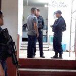 Por instrucción del titular de la SSP, Juan Bernardo Corona, se notificó a los ediles sobre el proceso de traslado de los policías de sus municipios a la PGJE para someterlos a diversas diligencias para deslindar responsabilidades en posibles hechos constitutivos de delito