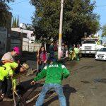 El Ayuntamiento le ha brindado mantenimiento a la Calzada La Huerta que en sus carriles centrales y laterales se abrieron sendos agujeros y no habían sido atendidos por la SCT, a la que le corresponde su mantenimiento por estar considerada como zona federal