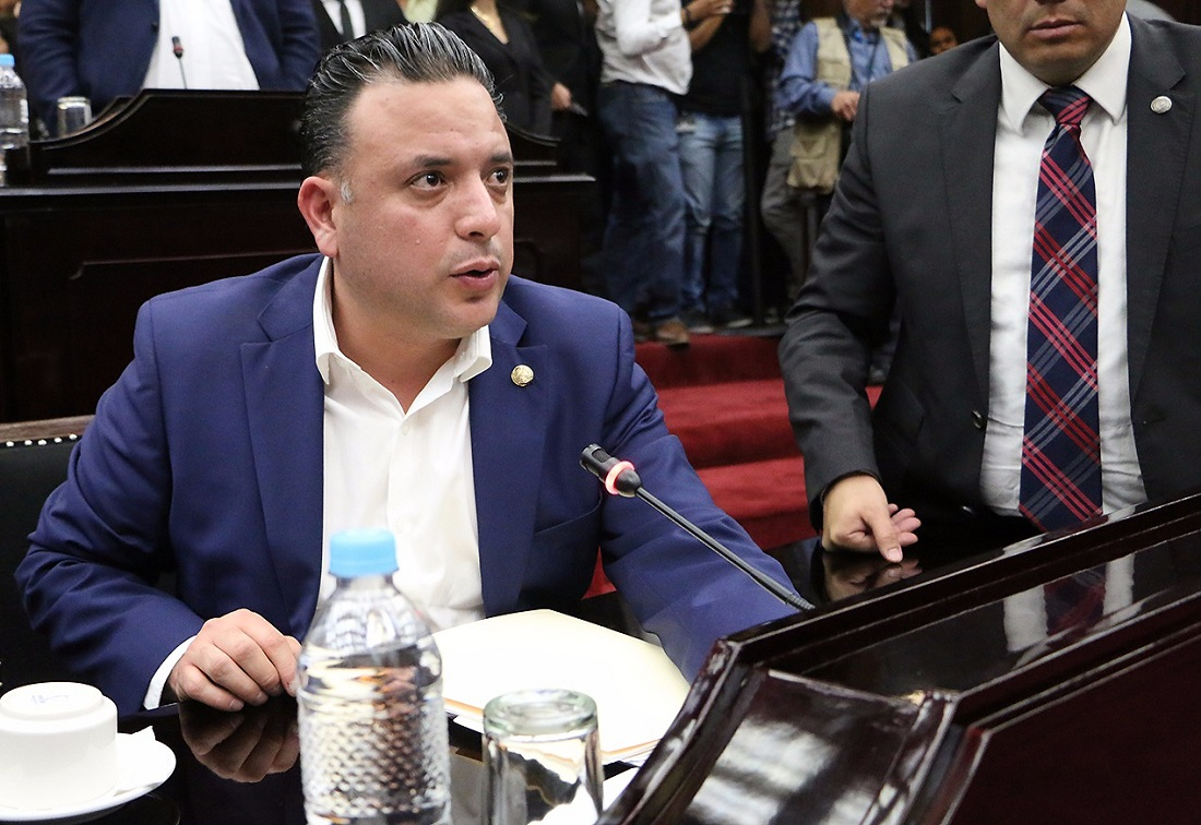 Urge Carlos Quintana a que se apruebe la nueva Ley de Remuneraciones de los Servidores Públicos