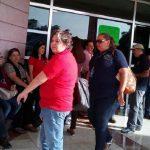 Los manifestantes se quejan de que son más de 2 mil sindicalizados afectados por la falta de pago