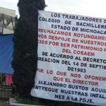 Los manifestantes expresan que con ese intento de entregar patrimonio del Cobaem se viola el decreto de creación de la institución, que data del 14 de septiembre de 1983
