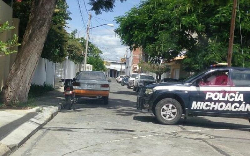 El lugar fue resguardado por agentes de la Policía Michoacán, mientras la UEEC de la PGJE abrió la carpeta de investigación correspondiente