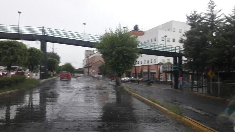 Mientras duren los trabajos, el sentido que viene de Guillermo Prieto hacia la Avenida Michoacán será utilizado en ambas direcciones con el fin de que no se entorpezca tanto el avance y los automovilistas puedan utilizar los dos sentidos mientras se concluye la obra
