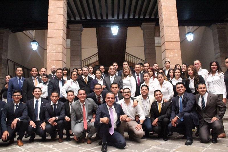 López Solís externó que el evento es una gran oportunidad para que los jóvenes experimenten los mecanismos de discusión, de deliberación, siendo el Congreso la cancha natural para el debate de las ideas
