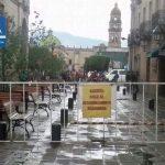El Ayuntamiento de Morelia decidió que de lunes a viernes los automóviles y motocicletas que quisieran, podían transitar por la calle Ignacio Zaragoza desde Melchor Ocampo e incorporarse a la Avenida Madero mientras que los sábados y los domingos, los conductores solo podrían ingresar hasta el estacionamiento