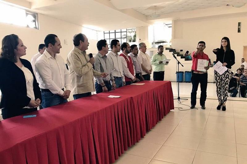 Rindieron protesta Rigoberto Aguilar Barreto y Brenda Alejandra Morales Mendoza, como presidente y secretaria general, respectivamente