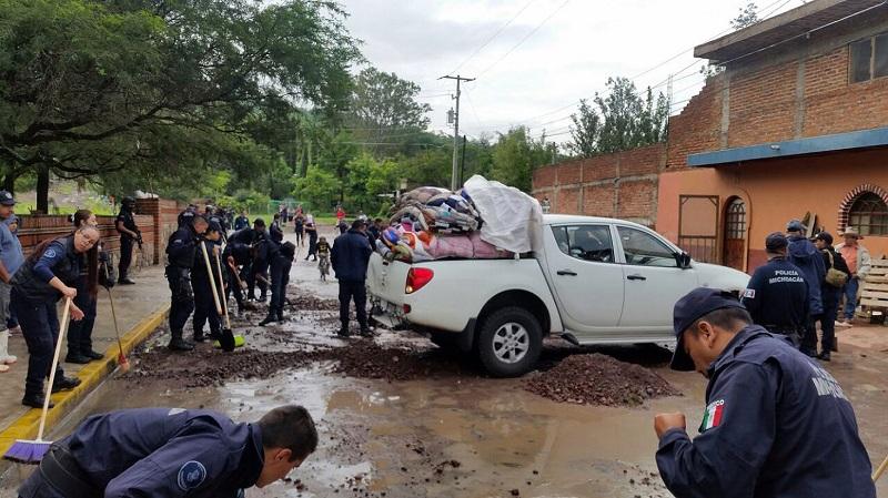 Miriam Tinoco Soto señaló que la Sedesoh, en coordinación con las demás dependencias y entidades del gobierno del estado, se mantiene alerta ante la posibilidad que las lluvias pudieran seguir afectando a los michoacanos más vulnerables