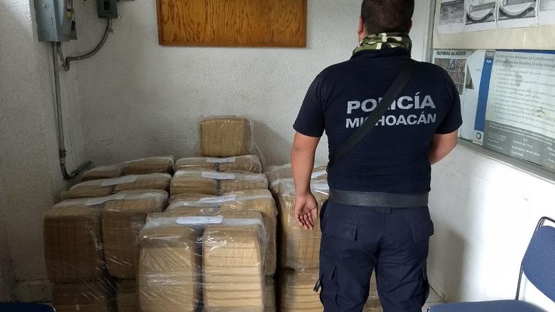 Los 300 kilos de marihuana estaban distribuidos en 46 paquetes que tenían como destino final el municipio de Zitácuaro