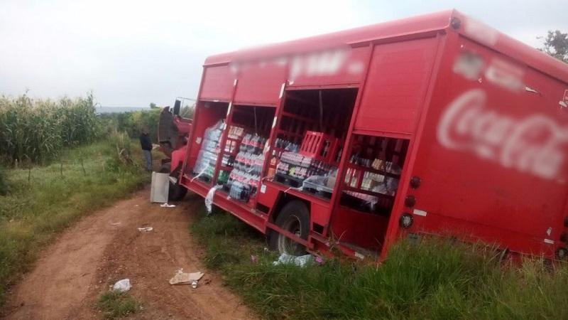 Las personas fueron puestas a salvo mientras que la unidad fue puesta a disposición de la autoridad competente; continúan las labores de búsqueda de una segunda unidad de carga comercial