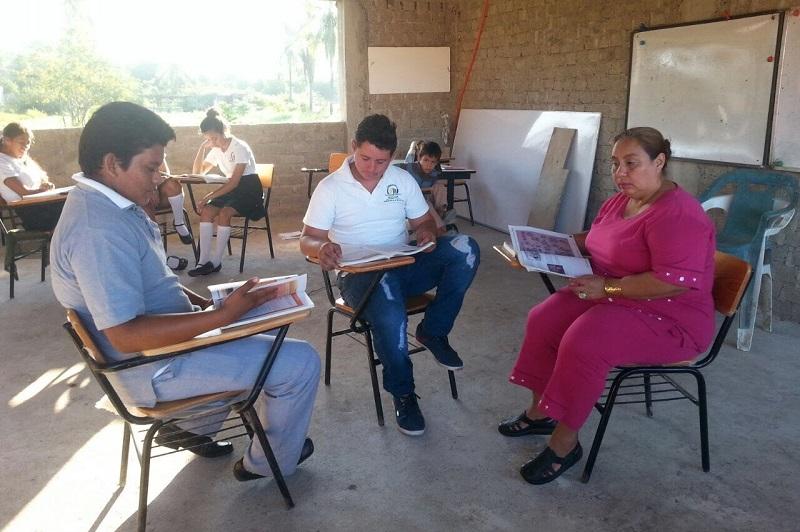 """""""Es importante que las y los adultos tengan acceso a una educación de calidad y a un excelente aprendizaje"""": Barragán Vélez"""