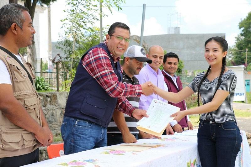Barragán Vélez resaltó que los certificados darán certeza a los 2 mil 36 egresados del ciclo escolar de referencia, con lo cual podrán concluir su trámite en la institución de educación superior a la que hayan ingresado