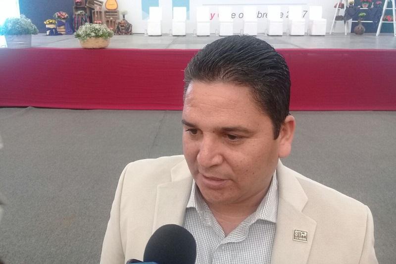 """Mendoza Andrade habló de que mientras el tema político no se clarifique, """"nosotros queremos generar análisis y crítica en un contexto tanto local como nacional a la espera de quienes busquen gobernar el país, puedan comprometerse y dar certeza de cambio que requiere nuestro entorno nacional y local"""""""