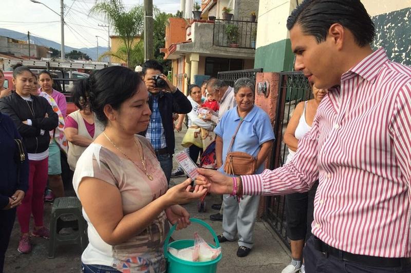 Sergio Flores Luna emitió un cordial saludo de parte del Presidente Enrique Peña Nieto y refrendó el compromiso que existe por parte del Gobierno de la República hacia los michoacanos