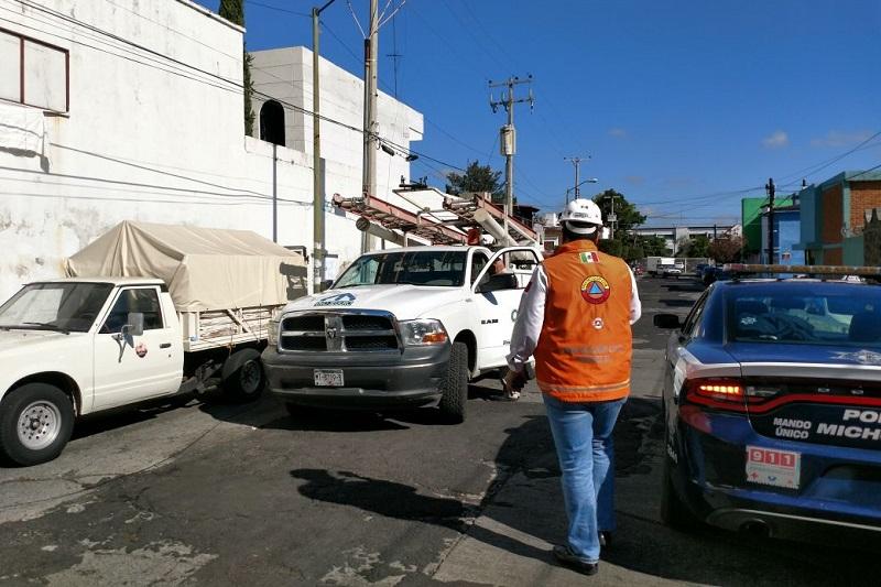 Al lugar arribaron elementos de Protección Civil Municipal, así como de la Policía de Morelia, además de personal de la CFE para resolver el problema