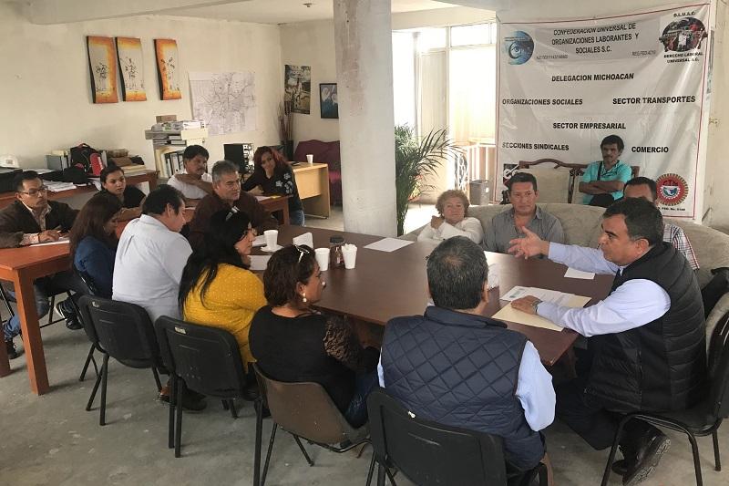 Ortiz García acudió a una reunión con la Confederación Universal de Organizaciones Laborantes y Sociales S.C. afiliada a la CTM y que aglutina organizaciones de transportistas, empresarios, sindicatos, comerciantes, organizaciones sociales