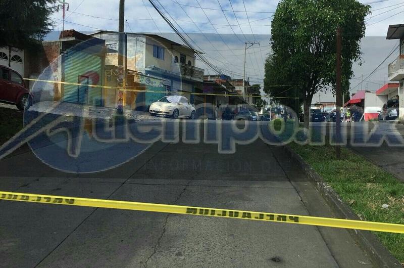 Minutos antes de las 10: 00 de la mañana reportaron a la línea de emergencias detonaciones de arma de fuego sobre la calle Lenin en la colonia 28 de Octubre, por lo que se trasladaron unidades de la Policía Michoacán