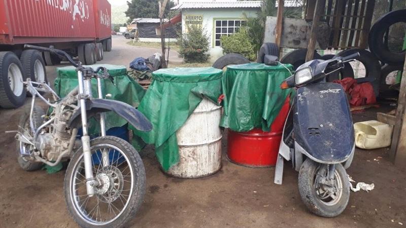 Los detenidos, combustible y vehículos fueron puestos a disposición de la autoridad competente