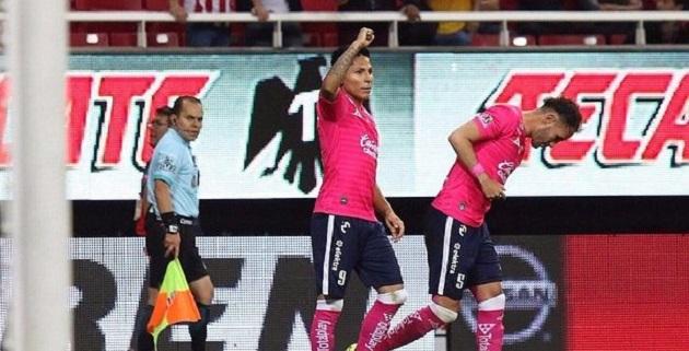 Los goles de la victoria fueron obra del peruano Raúl Ruidíaz por la vía del penal al minuto 50, así como de Carlos Salcido en propia meta al 94; el propio Salcido había logrado el empate momentáneo al 62 en este duelo disputado en el estadio de Chivas