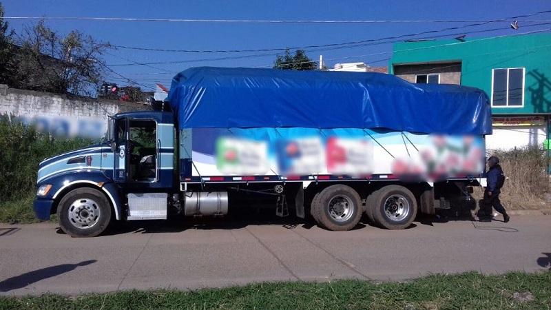El camión fue asegurado y será puesto a disposición de la autoridad correspondiente