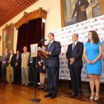 En compañía del secretario de Gobierno Adrián López Solís, el mandatario estatal hizo un llamado a quienes hoy asumen las diversas titularidades a regirse con honestidad y transparencia en las tareas encomendadas