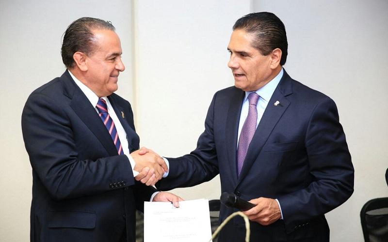 Aureoles Conejo reconoció y agradeció el trabajo realizado por Francisco Huergo Maurin
