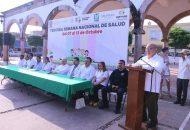 El presidente municipal destacó que del 7 al 13 de octubre, en la cabecera municipal y localidades, se realizó una intensa campaña en el marco de la Tercera Semana de Salud, en la que se llevaron a cabo diversas acciones en favor de las y los huetamenses