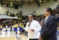 El gobernador dio el saque inicial del partido Aguacateros de Michoacán vs Capitanes de la Ciudad de México
