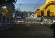 De inmediato arribaron los elementos de la Policía Michoacán que acordonaron el área en espera de los médicos y peritos de la Fiscalía