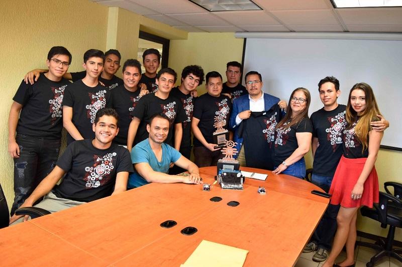 El director, Paulino Rivas destacó el coraje que han mostrado los estudiantes del ITM y los galardones que han obtenido en diversas competencias incluyendo ahora la de robots