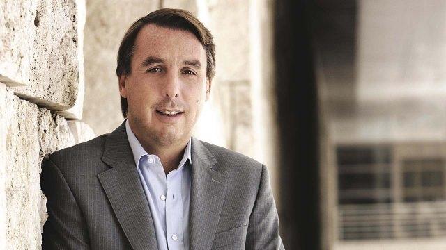 Con 49 años de edad, Azcárraga posee una fortuna de 2,200 millones de dólares. Está casado y tiene tres hijos. Ocupa el puesto número 10 de la lista de los millonarios más acaudalados de México de Forbes.