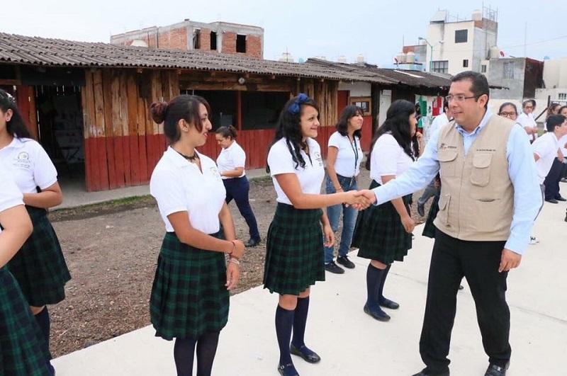 Barragán Vélez expuso que tan sólo en Morelia más de mil 400 jóvenes estudian en el Telebachillerato Michoacán