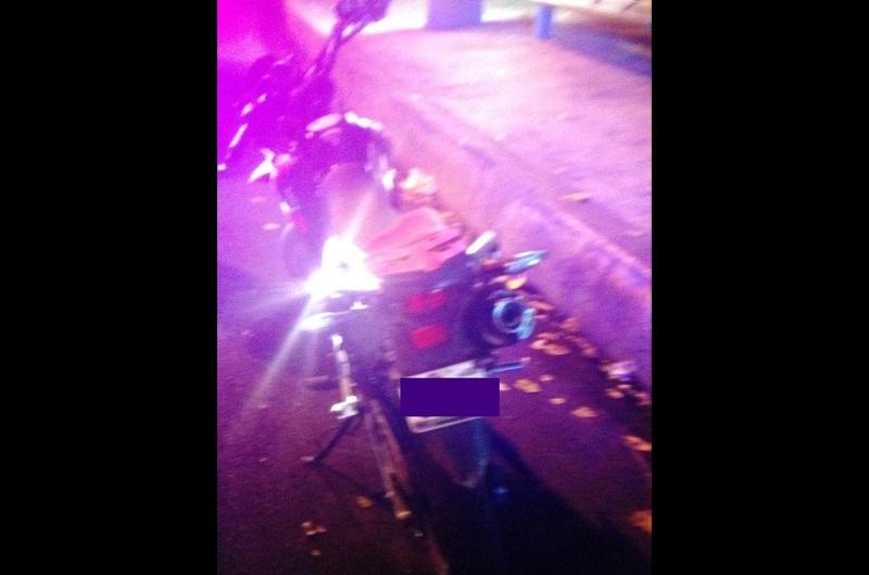 De esta forma, elementos de la Corporación Municipal recuperaron una motocicleta con reporte de robo, misma que pusieron a disposición del Ministerio Público para los trámites conducentes