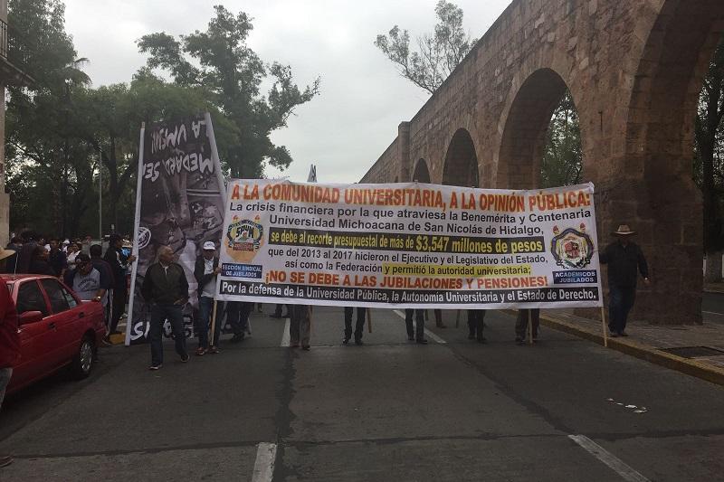 Los secretarios generales del SPUM, Eduardo Tena Flores, y del SUEUM, Gaudencio Anaya Sánchez, reiteraron su rechazo a las propuestas para reformar el régimen de jubilaciones y pensiones