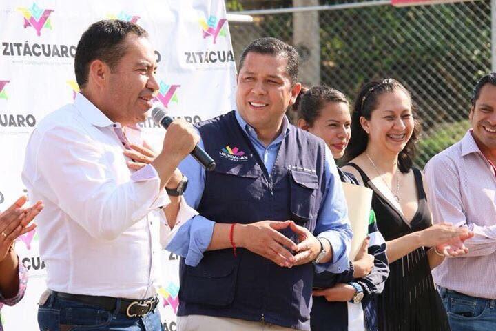 Barragán Vélez agradeció al presidente municipal de Zitácuaro, Carlos Herrera Tello, por apoyar la construcción del plantel con la donación del terreno, entregar las escrituras del predio y respaldado la gestión de recursos