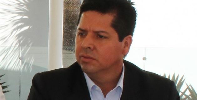 A decir de Torres Piña, más allá de intereses personales y de grupo, los legisladores del PRD tienen la obligación de servir a la gente, de caminar en unidad y trabajar por un solo objetivo, que es cristalizar las demandas más sentidas de la sociedad