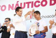 El campeón absoluto del Reto Náutico del Balsas 2017, Guillermo Cortés Cueto, del equipo michoacano Nitalia Team, originario de Uruapan, agradeció al mandatario estatal todas las facilidades que brindó para la realización de este magno evento