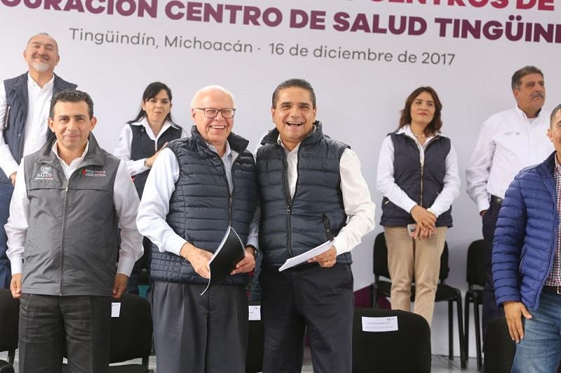 Silvano Aureoles es un hombre comprometido con la salud, que ha cumplido con su palabra y que hoy se refleja en cada una de las acciones, señala Narro Robles