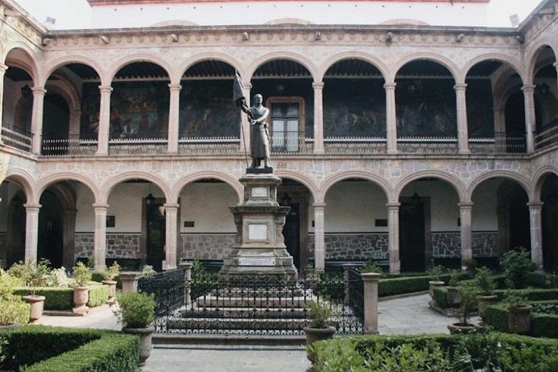 Serna González estableció que a nivel federal hubo un retraso relacionado con los trámites de la primera ministración 2018 para el conjunto de las universidades públicas, pero se reitera que los recursos están asegurados