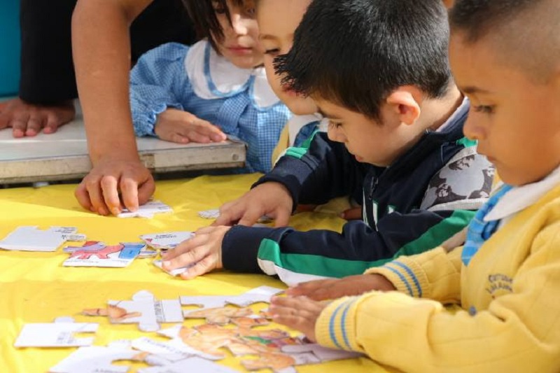 Este programa comprende seis unidades de estudios, que abarcan entre 12 y 16 lecciones cada uno