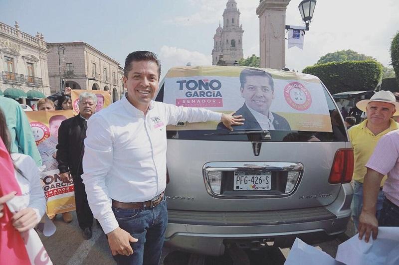 """""""Mi precampaña es de cercanía con la militancia, he recorrido todo el estado, conozco las necesidades de los michoacanos, juntos podemos trazar la ruta en beneficio de todos"""", dijo el precandidato a la Cámara Alta"""