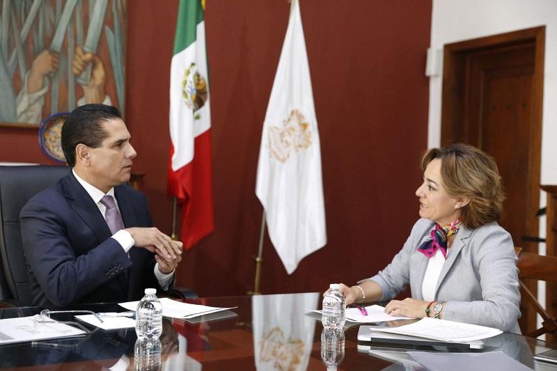 El titular del Ejecutivo en Michoacán instó a Chávez López a reforzar este año la difusión turística de cada uno de los espacios que oferta el estado